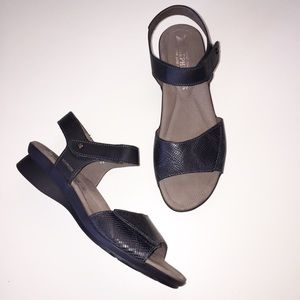 Mephisto Pattie Comfort Sandals Adjustable Black
